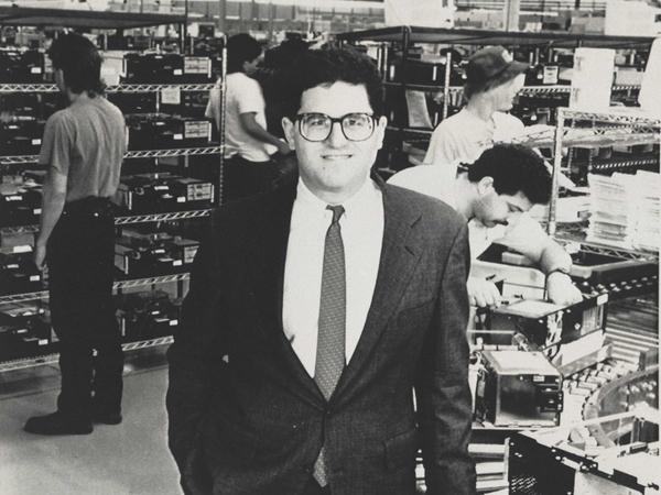 Cuộc đời và sự nghiệp của Michael Dell: 50 năm một chặng đường không nghỉ