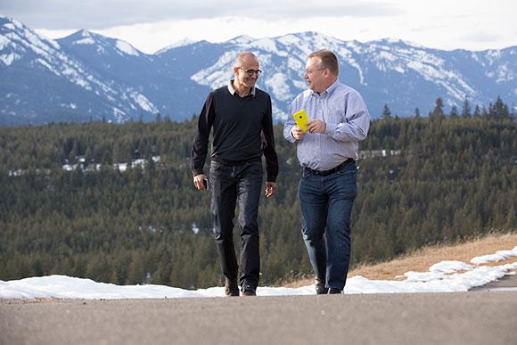 Satya Nadella và Stephen Elop. (Ảnh: Microsoft)