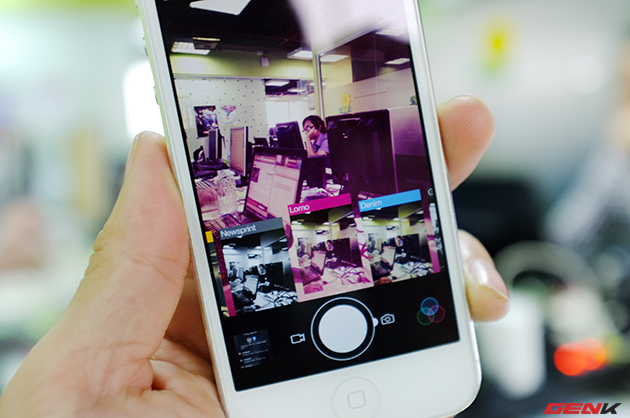 Giao diện chụp ảnh đơn giản với bộ lọc màu tùy chỉnh.