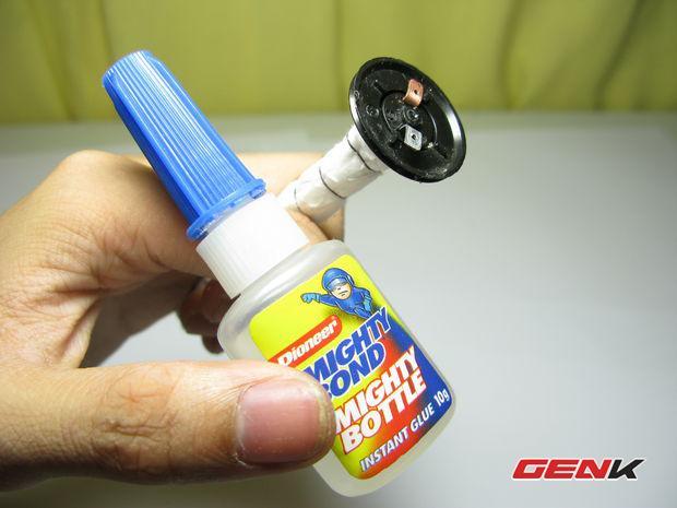 Tự chế đèn Pin độc đáo hoạt động bằng... nước lã