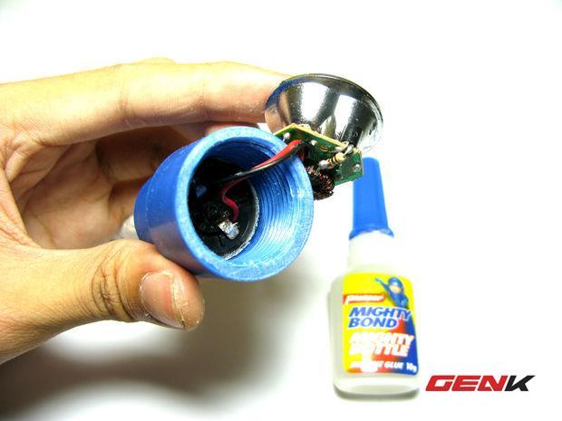 Sau khi đã hàn xong mạch hoàn chỉnh, đưa từ từ vào ống PVC Coupling