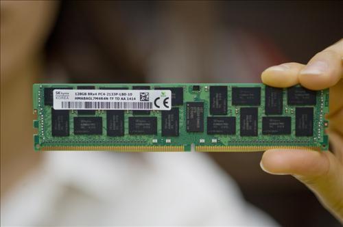 SK Hynix đi đầu công nghệ RAM với bộ nhớ DDR4 128 GB
