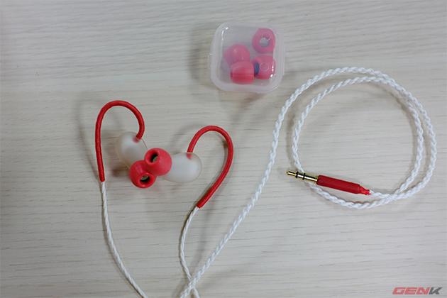 Mở hộp bản thương mại của Jelly Ear, tai nghe made in Việt Nam đầu tiên