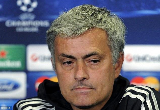 Chỉ riêng ông Jose Mourinho là không có quà.