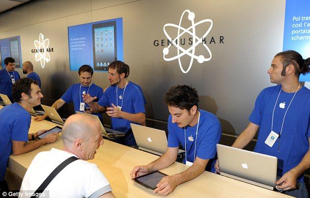 Các nhân viên CSKH tương lai của Apple sẽ phải có trình độ cao hơn là thực hiện những tác vụ đơn giản ở Genius Bar