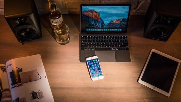 iPhone 7 và MacBook Pro 2016 không thể trực tiếp kết nối với nhau. Ảnh: MSPoweruser.