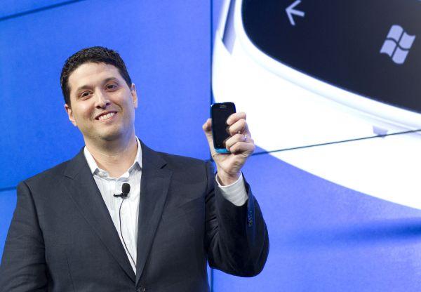 Phó Chủ tịch Terry Myerson của Microsoft.