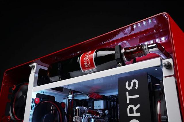 Ngắm bộ máy tính chất lừ dùng Coca Cola làm tản nhiệt