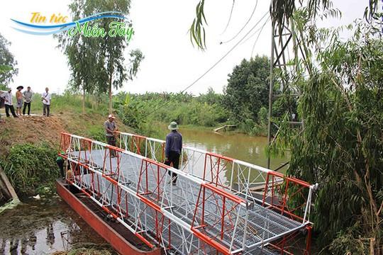 Cầu được hàn sẵn gần như hoàn thiện.