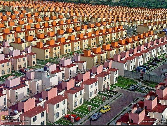 """Thành phố đầy những căn nhà nhìn như """"copy & paste"""" nhưng thực tế là chúng được thiết kế đồng bộ như vậy."""