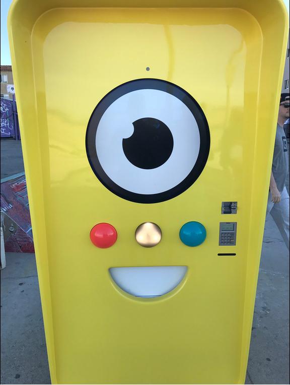 Snapbot - máy bán hàng tự động của Snapchat