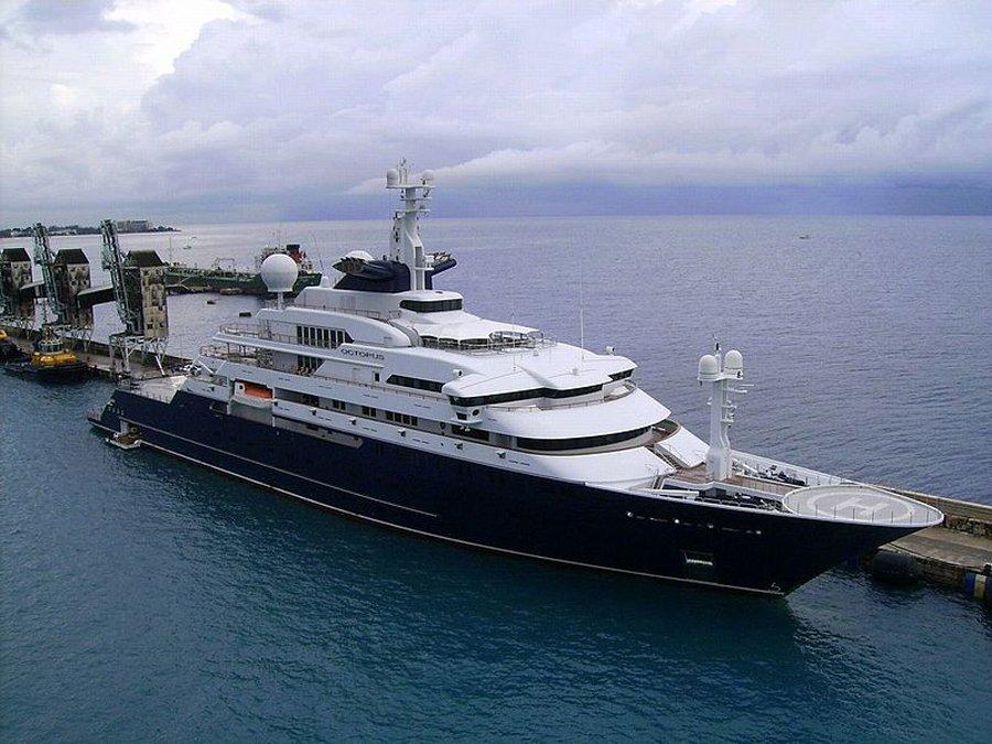 Paul Allen đang sở hữu một chiếc du thuyền trị giá đến…200 triệu USD. Có tên là