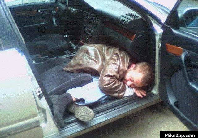 Những vị khách say xỉn luôn là ác mộng đối với các tài xế Uber.