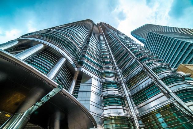 Petronas Towers tại Kuala Lumpur được thiết kế bởi KTS César Pelli. Một biểu tượng của Malaysia.
