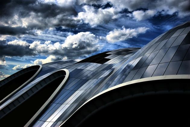 Sage Gateshead ở Gateshead Quays được thiế kế bởi công ty kiến trúc Norman Foster + Partners.