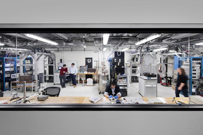 Phòng thí nghiệm máy tính lượng tử tại IBM.
