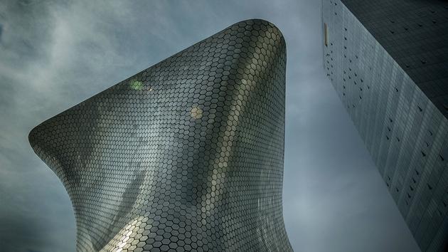 Soumaya Museum tại Mexico City được thiết kế bởi KTS Fernando Romero.