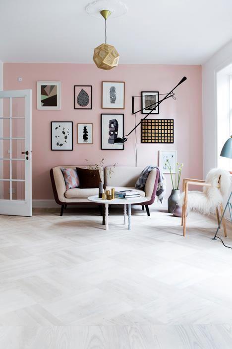 Hồng Pastel có thể kết hợp với những màu như màu be, trắng, nâu sữa..... để tạo lên một tổng thể đẹp mát và quan trọng hơn, đó là cảm giác về sự trong lành.