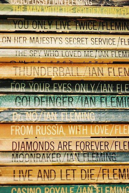 Bộ tiểu thuyết của Ian Fleming.