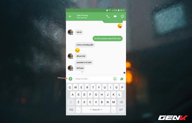 Sau đó khởi động ứng dụng Messenger lên và tìm đến cửa sổ trò chuyện mà bạn muốn gửi ảnh.