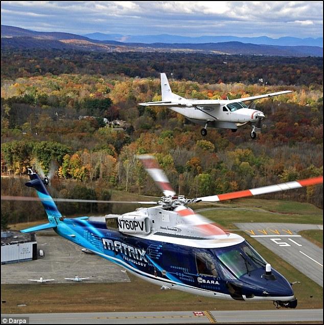 Thiết bị đáp ứng được trên cả hai loại máy bay trực thăng và máy bay cánh cố định