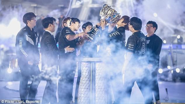 Cảnh ăn mừng của đội thắng Samsung Galaxy