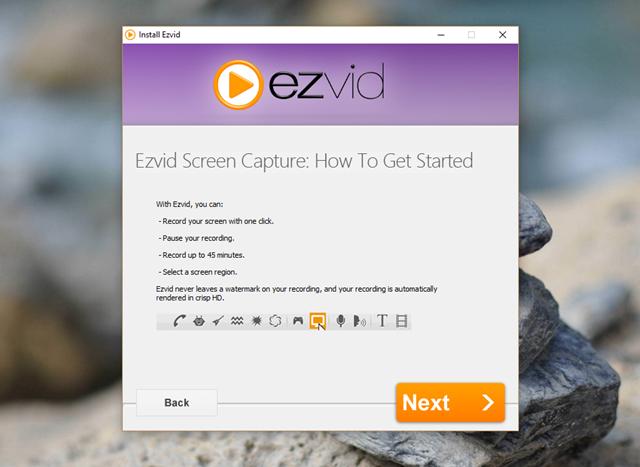 """Có thể xem đây là một lựa chọn ghi hình """"nhanh-gọn"""" dành cho bạn. Mặc dù miễn phí nhưng nhà phát triển vẫn """"ưu ái"""" thiết kế Ezvid khá đẹp mắt và hoàn toàn dễ sử dụng."""