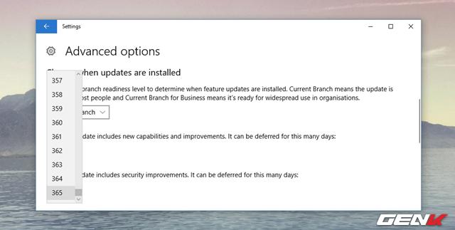 """Lựa chọn """"A feature update includes new capabilities and improvements"""" cho phép bạn trì hoãn các bản cập nhật tính năng (feature update) lên đến 365 ngày. Bạn có thể chọn số ngày bất kỳ giữa 1 và 365."""