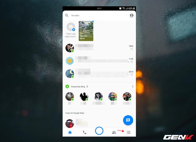 Để xem các tin nhắn đã bị ẩn, bạn hãy mở ứng dụng Messenger lên và nhấp vào mở rộng.