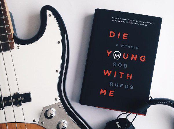 Die Young With Me, tự truyện của Rob Rufus, chàng trai 17 tuổi mắc ung thư, một tay trống sáng lập ban nhạc rock Blacklist royals