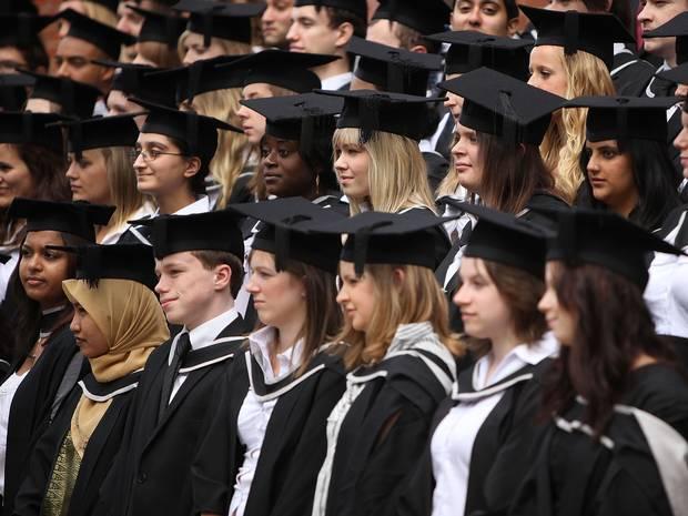 Số lượng nữ cử nhân đại học bây giờ còn nhiều hơn cả nam giới
