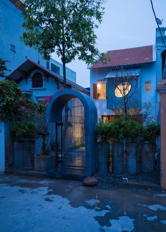Nhìn bề ngoài, trông ngôi nhà giống như những chiếc đồng hồ cuckoo Black Forest mà bạn thường thấy trong phim hoạt hình Tom and Jerry