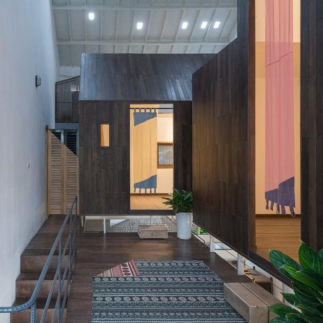 Mặc dù mỗi cabin đều có diện tích không lớn, nhưng nhờ cách tổ hợp không gian như thế này, cùng 1 phòng vệ sinh được thiết kế khéo léo. Kts vẫn dành ra được 1 khoảng hành lang đủ rộng và 1 phần diện tích cho việc giao lưu của các thành viên trong gia đình.