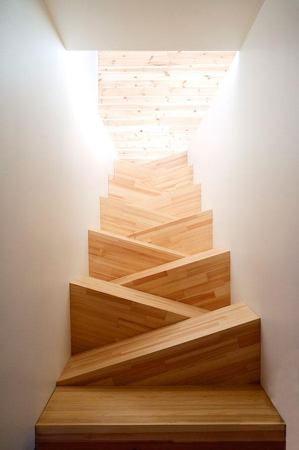 Đôi khi cầu thang cũng chỉ dùng để ngắm. Nghệ thuật vị nghệ thuật đây mà.