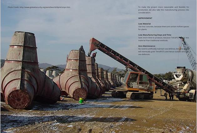 Những trụ chắn sóng khổng lồ đang được đổ bê tông tại 1 công trường ven biển.