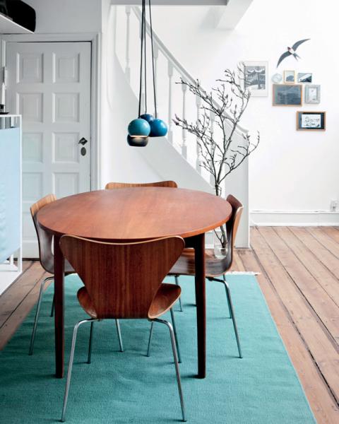 Màu xanh dương là một trong những gam màu nhấn ưa thích của phong cách Scandinavia