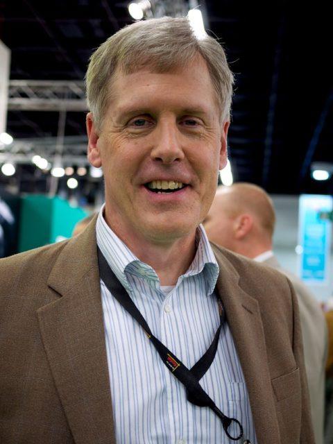 Cha đẻ của máy ảnh kỹ thuật số Steven Sasson