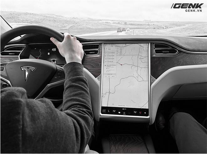 Trải nghiệm siêu xe điện Tesla Model X dưới góc nhìn dân công nghệ: đây chính là chiếc iPhone của làng xe hơi - Ảnh 17.