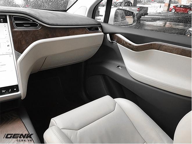 Trải nghiệm siêu xe điện Tesla Model X dưới góc nhìn dân công nghệ: đây chính là chiếc iPhone của làng xe hơi - Ảnh 23.