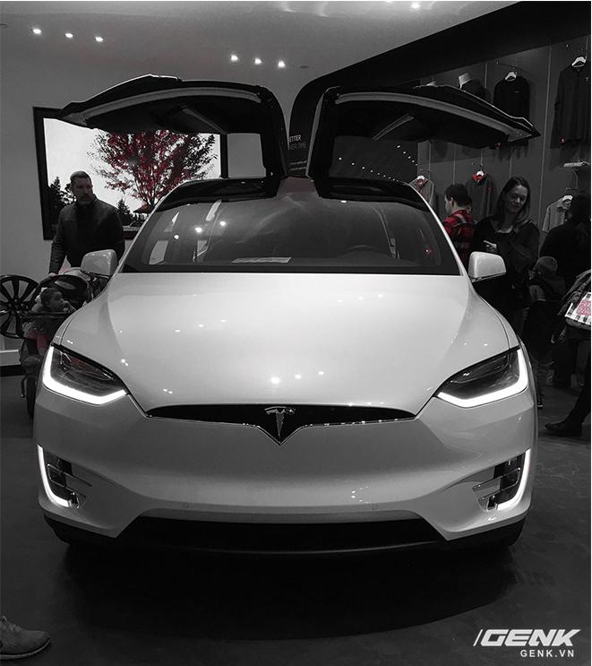 Trải nghiệm siêu xe điện Tesla Model X dưới góc nhìn dân công nghệ: đây chính là chiếc iPhone của làng xe hơi - Ảnh 35.