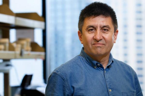 Chân dung giáo sư Mitalipov, người đầu tiên chỉnh sửa thành công DNA trên phôi người ở Mỹ