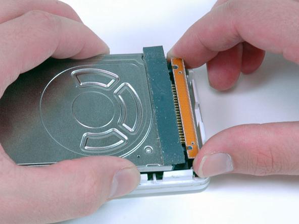 Chiếc ổ đĩa cứng 1.8 inch trong iPod đời đầu.