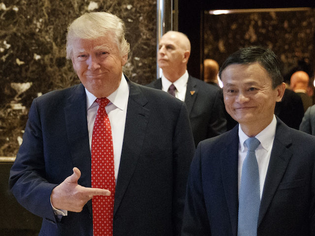Tổng thống Donald Trump và tỷ phú Jack Ma.