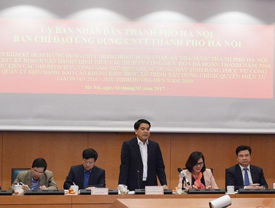 Ông Nguyễn Đức Chung, Chủ tịch UBND TP Hà Nội, Trưởng Ban chỉ đạo ứng dụng CNTT Thành phố phát biểu kết luận cuộc họp đầu tiên trong năm 2017 của Ban chỉ đạo (Ảnh: hanoi.gov.vn)