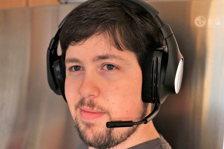 Tai nghe chơi game không dây Logitech G533