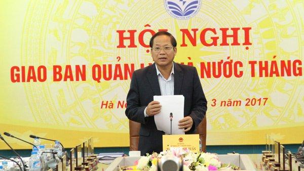 Bộ trưởng Bộ TT&TT Trương Minh Tuấn phát biểu chỉ đạo tại Hội nghị Giao ban quản lý nhà nước tháng 2/2017.