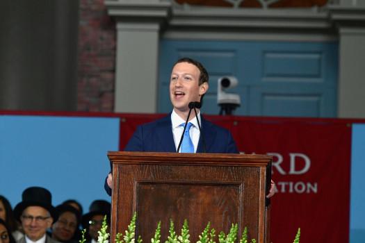 Tỉ phú trẻ trong bài diễn văn tốt nghiệp tại đại học Harvard.