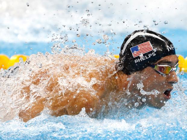 Cá mập trắng là một trong những loài động vật nhanh nhất, hung hăng nhất. Phelps là nhà vô địch vĩ đại nhất dưới nước với 39 kỷ lục thế giới. Nhưng anh ấy vẫn còn một cuộc đua nữa phải thắng. Một cuộc thi chưa từng có trước đây. Phelps sẽ bơi thi cùng cá mập.