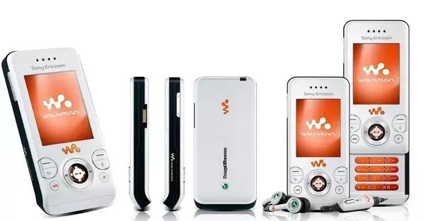 Series điện thoại Walkman rõ ràng xuất hiện với nhiều hình dạng mẫu mã khác nhau, nhưng bí quyết bán chạy ở đây rõ ràng chính là chất lượng âm thanh, và mối liên hệ mật thiết với thương hiệu Walkman