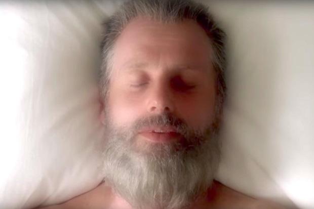 Đừng nói cả mạch truyện lê thê của The Walking Dead là do chất gây ảo giác nhé???